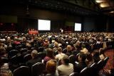 乳腺外科医师应邀参加乳腺癌国际大会